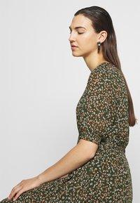 Moss Copenhagen - EDA RIKKELIE DRESS - Day dress - brown / multicolor - 4