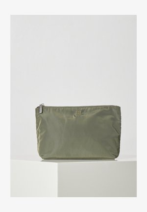 Clutches - beetle green