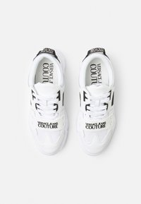 Versace Jeans Couture - SPEEDTRACK - Trainers - bianco ottico - 8