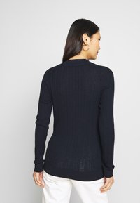 Tommy Hilfiger - INJ MINI CABLE  - Sweter - navy - 2