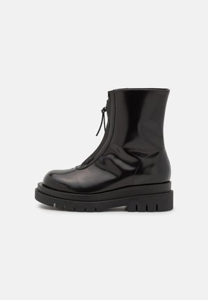 PIPPA - Classic ankle boots - black polido