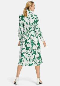 PETER HAHN - Shirt dress - weiß/grün/multicolor - 2
