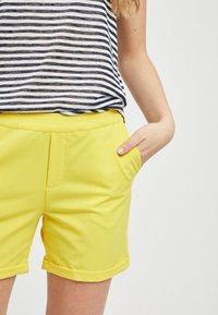 Object - OBJCECILIE  - Shorts - yellow - 3