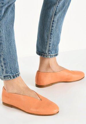 Slip-ons - orange org