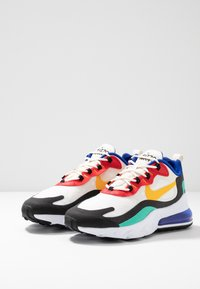 Nike Sportswear - AIR MAX 270 REACT - Sneakers laag - phantom/university  gold/university  red/black/kinetic green/hyper royal - 3