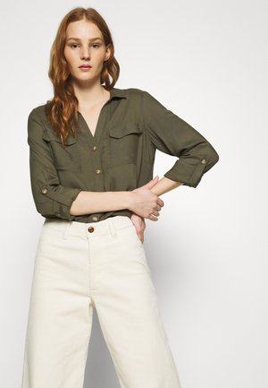 VMBUMPY - Button-down blouse - ivy green