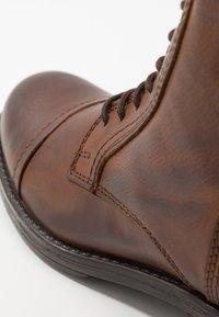 Jack & Jones - JFWRUSSEL - Lace-up ankle boots - cognac - 5