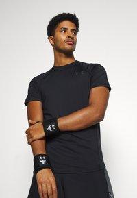 Under Armour - PROJECT ROCK WRIST WRAPS - Bandages - black - 0