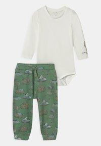 Name it - NBMTIFAR SET - Trousers - snow white - 0