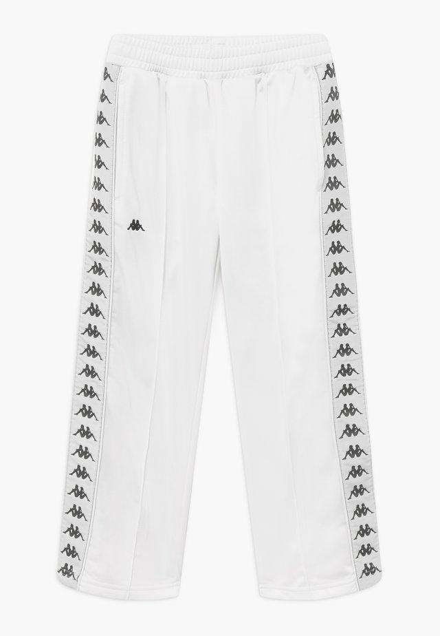 GELANIA - Verryttelyhousut - bright white