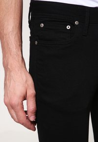 Jack & Jones - JJILIAM  - Jeansy Slim Fit - black denim - 3