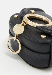 See by Chloé - Mara mini shoulder bag - Torba na ramię - black - 3