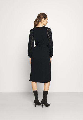OBJMARCEY DRESS - Abito in maglia - black