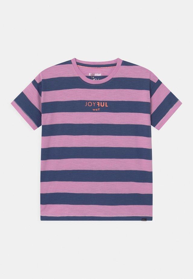 TEENAGER - T-shirt print - lavendel