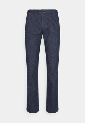 DENTON FAKE SOLID LOOK - Trousers - faded indigo