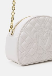 Love Moschino - QUILTED SOFT - Across body bag - bianco - 5