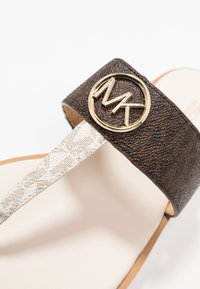 MICHAEL Michael Kors - LILLIE THONG - Flip Flops - brown - 2