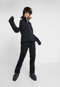 Ziener - TALPA LADY - Pantalón de nieve - black - 1
