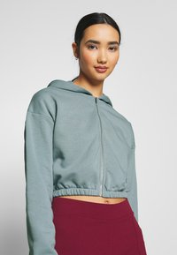 Nly by Nelly - CROPPED ZIP HOODIE - Zip-up hoodie - gray - 3