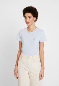 Tommy Hilfiger - T-shirts - breezy blue - 0