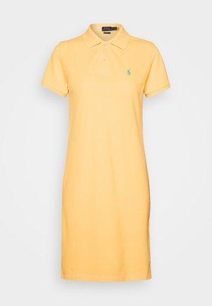 BASIC - Vapaa-ajan mekko - empire yellow