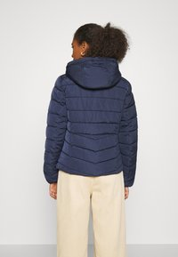 ONLY - ONLNEW ELLAN QUILTED HOOD JACKET - Light jacket - night sky - 3