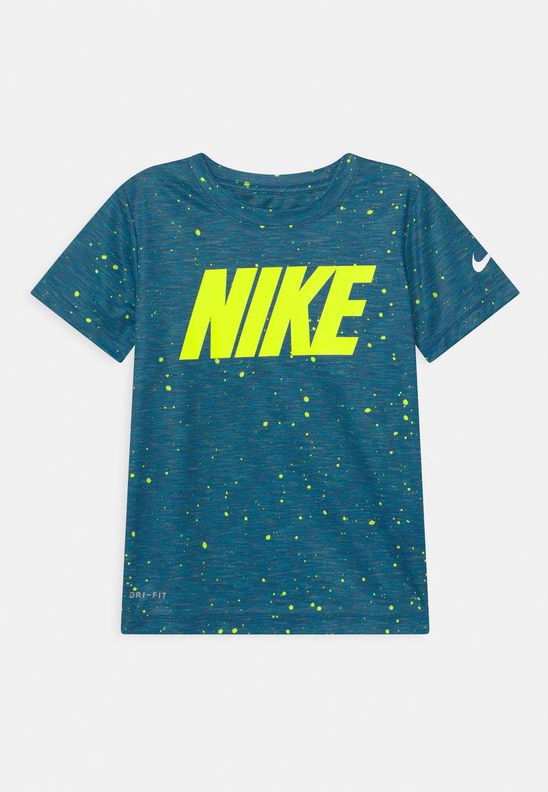 Nike Sportswear - FAUX SPACE - Print T-shirt - game royal