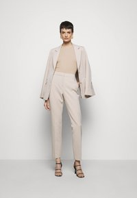 Filippa K - FINE TEE - Jednoduché triko - sand beige - 1