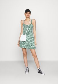 Cotton On - TURNER STRAPPY MINI DRESS - Jerseyjurk - heritage green - 1