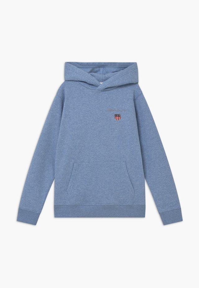 MEDIUM SHIELD HOODIE UNISEX - Hoodie - frost blue
