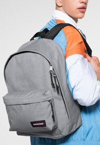 Eastpak - OUT OF OFFICE - Rucksack - sunday grey - 1