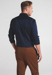 Eterna - SLIM FIT - Shirt - marine - 1