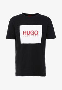 HUGO - DOLIVE - T-shirt med print - black - 3