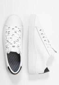 HUB - HOOK BRANDED - Sneakers - white/black dust - 3
