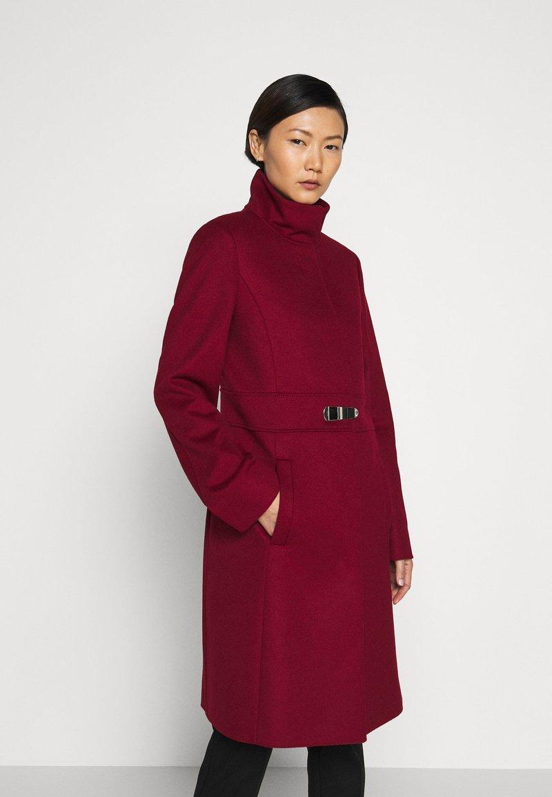 HUGO - MILORA - Classic coat - open red