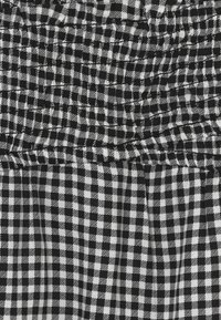 Abercrombie & Fitch - CROSSOVER - Blouse - black gingham - 3