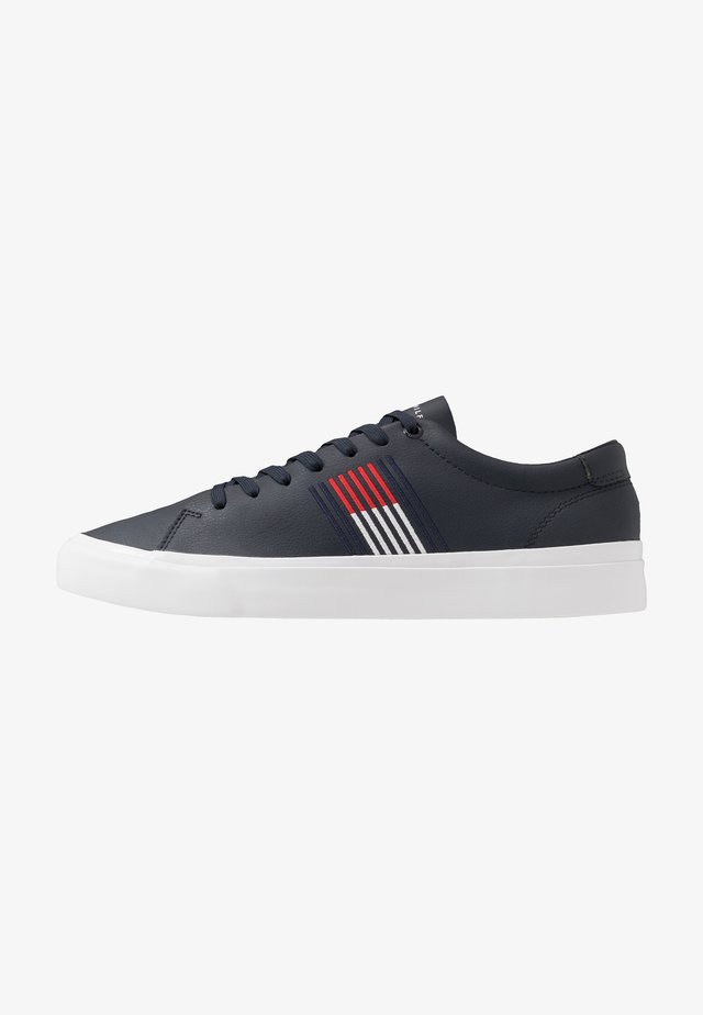 CORPORATE  - Trainers - blue