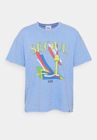 Vintage Supply - SEOUL GRAPHIC - Print T-shirt - blue - 3