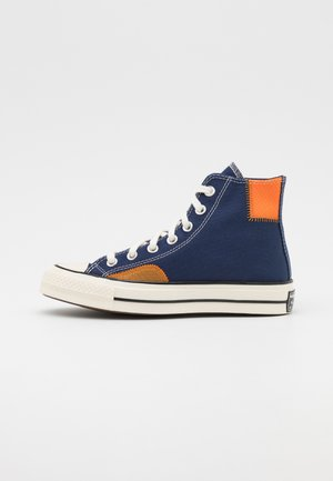 CHUCK 70 UNISEX - Baskets montantes - midnight navy/dark soba/magma orange