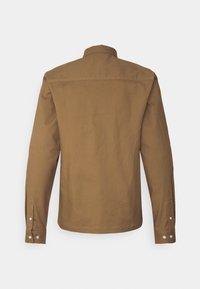 Redefined Rebel - RRANTON  - Shirt - inca gold - 8