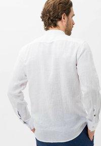 BRAX - LARS - Shirt - white - 2
