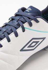 Umbro - MEDUSÆ III PRO FG - Moulded stud football boots - white/medieval blue/blue radiance - 5