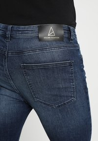 Golden Equation - FADED DISTRESSED MID-RISE - Jeans Skinny Fit - mid blue - 6