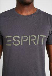 Esprit - ICON 2 PACK - T-shirt z nadrukiem - anthracite - 4