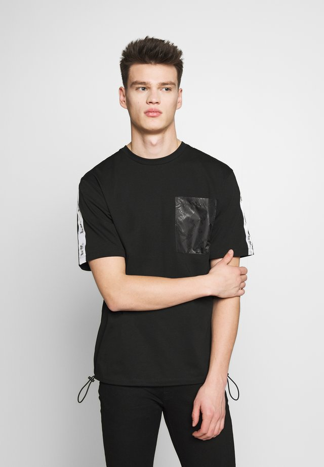 HORSE AND CARRIAGE POCKET  - T-shirt con stampa - black