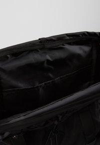 Topman - OLIVER - Batoh - black - 4
