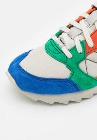 Merrell - ALPINE - Outdoorschoenen - multicolor - 5