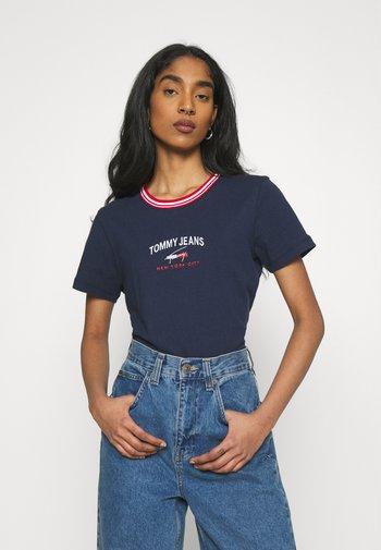 REGULAR TIMELESS SCRIPT TEE - Print T-shirt - twilight navy