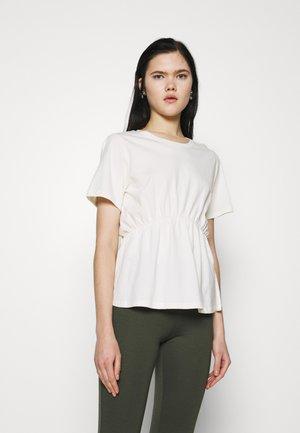 ONLANDREA DETAIL - Print T-shirt - cloud dancer