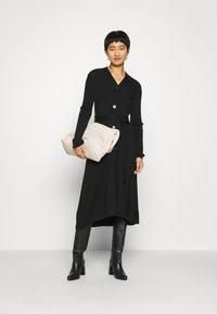 IVY & OAK - Pletené šaty - black - 1